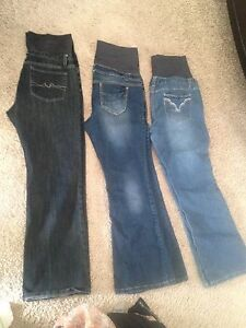 Brand name maternity Jeans- Size Large