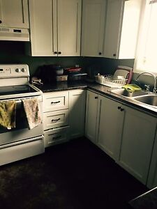 Roommate needed urgently /Girls only/No pets allowed