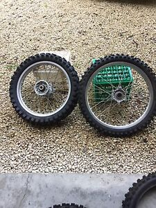 Yamaha yz450f rims and tires