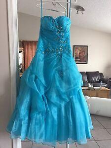 Strapless blue grad dress