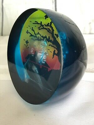 Alfred Hitchcock Halloween Decor Paperweight 3D Etched Profile Spooky Background - 3d Halloween Backgrounds