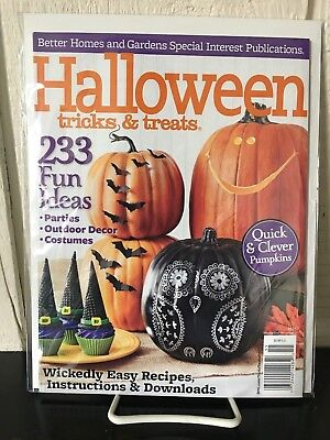 Better Homes And Gardens Halloween Treats (Better Homes & Gardens HALLOWEEN Tricks & Treats Annual Magazine 2015 Issue)