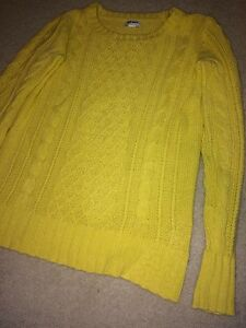 Knitted sweater Stratford Kitchener Area image 1