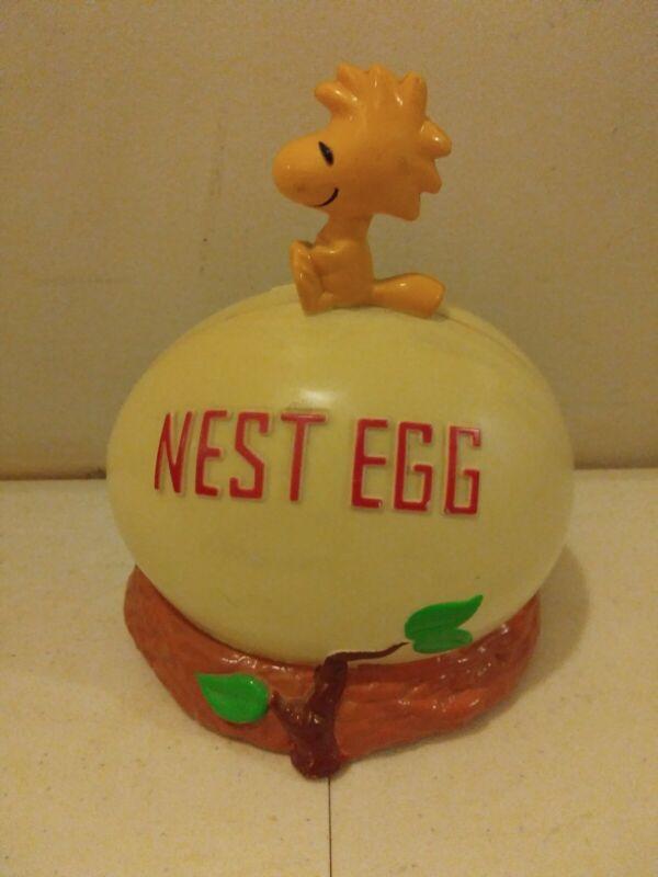 Applause Peanuts Woodstock Nest Egg PIGGY BANK Plastic Figurine VINTAGE 1972