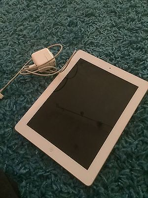 Apple iPad 3rd Generation 64GB, Wi-Fi, 9.7in - White