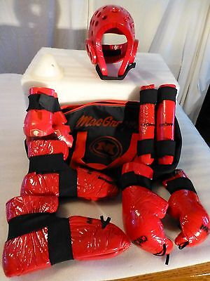 SPARRING KARATE MARTIAL ARTS GEAR YOUTH-HELMUT-GLOVES-BOOTS-PADS-BAG