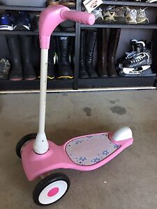 Radio flyer 3 wheel pink scooter