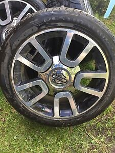 "22"" Ford F-150 Harley Davidson Rims with tires 90% tread."