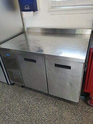 Randell 9215f-32-7 Work Top 2 Door Freezer On Castors Ice Cold. Currently Using