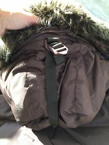 Roots women's down-filled jacket size L-Great condition London Ontario image 3