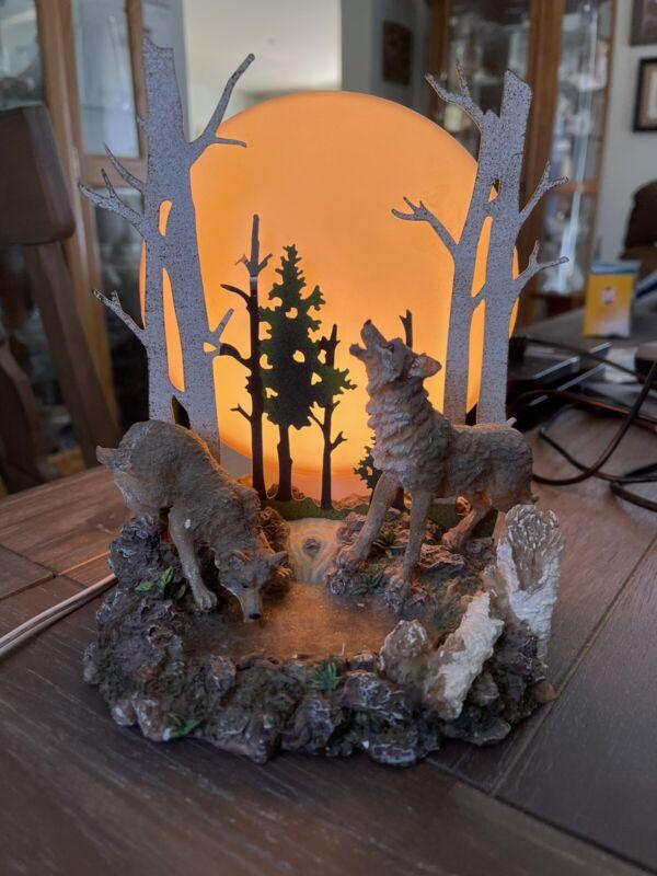 "Vintage Wolves at pond Table Nightlight Lamp Resin 7.5"" Tall"