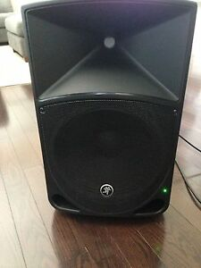mackie thump 12 powered speakers