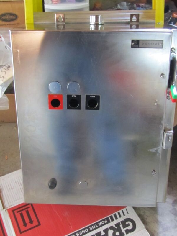GE Combination Starter, NEMA Size , Stainless Steel Enclosure
