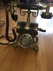 Beautiful Replica Antique Phone