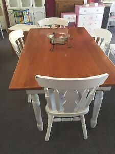 Dinning table and 4 chairs Bomaderry Nowra-Bomaderry Preview