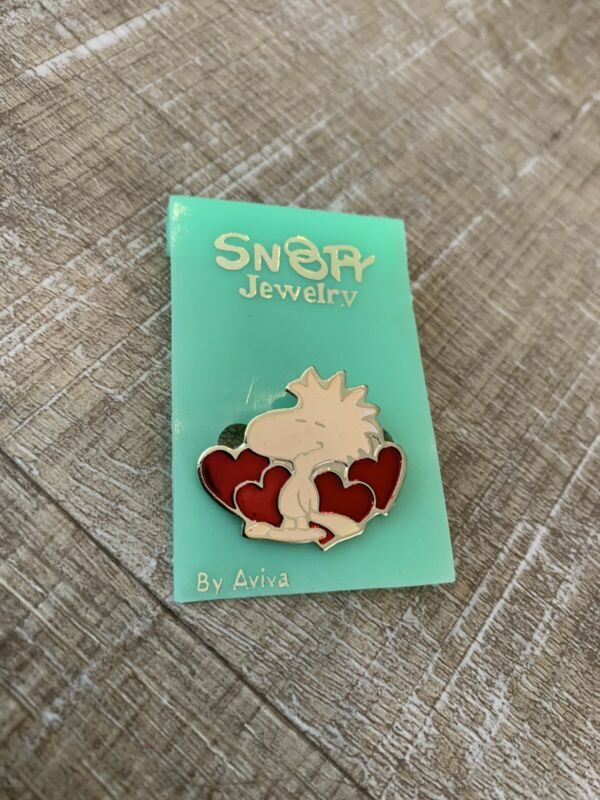 Vintage Snoopy Jewelry Pin by Aviva - Woodstock with Hearts pin