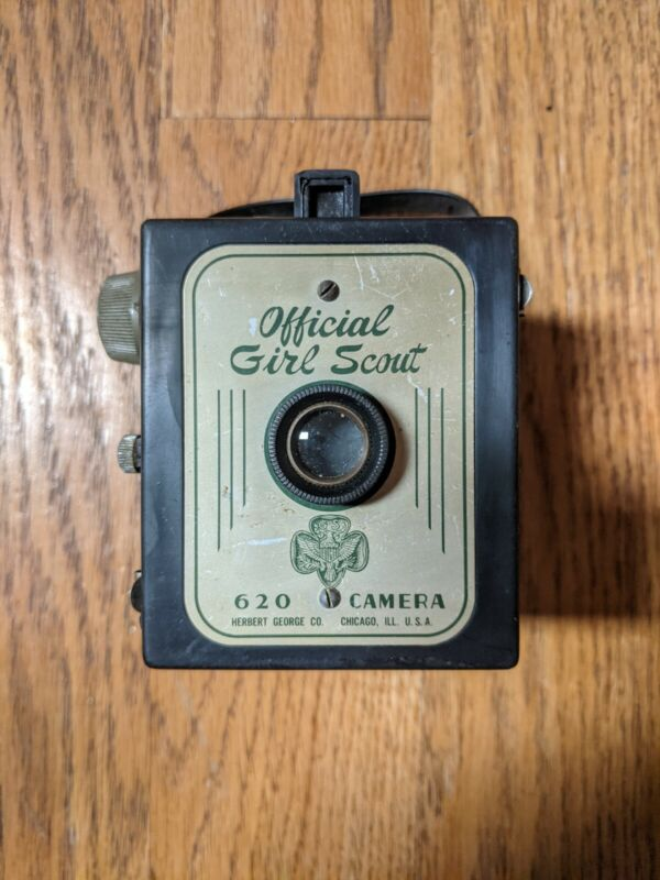 Vintage Official Girl Scout 620 Camera by Herbert George Co. Chicago ILL. USA