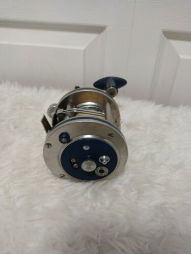 Vintage Olympic Dolphin 631-LW Fishing Reel-Tested and Working