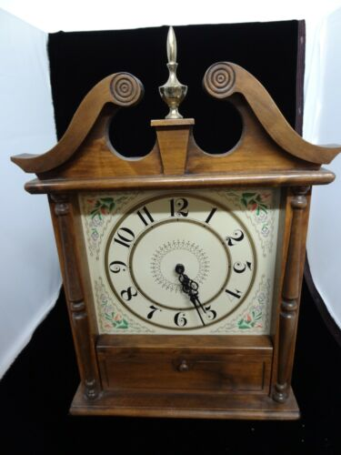 THE OLD TIMER BY GUILD MANTLE CLOCK STYLE AM FM TUBE RADIO 6610 VINTAGE 1958
