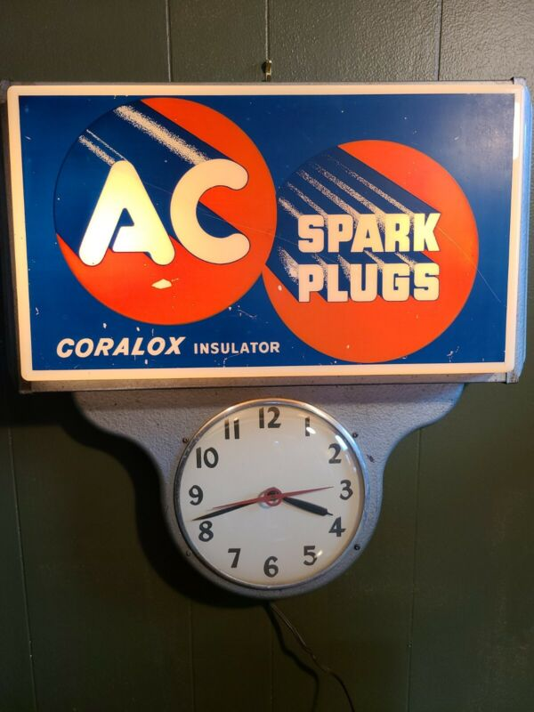 Vintage AC SPARK PLUGS LIGHTED  Advertising clock -Old and Rare
