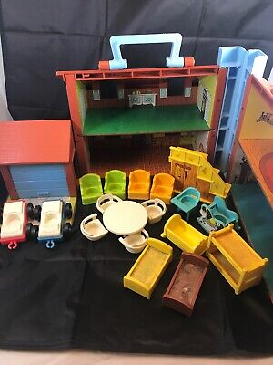 Vintage Fisher Price Little People Tudor House Garage 952 With Accessories