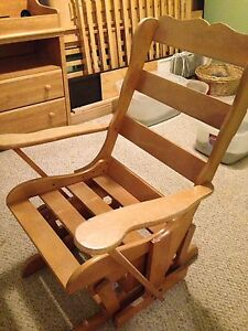 BROKEN Glider Chair
