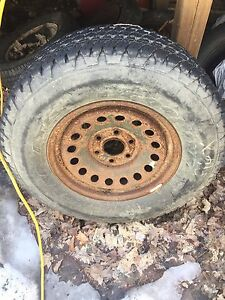 Gmc 1500 pick up spare never used 275/70r17 Goodyear