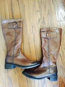Beautiful leather boots  size 7.