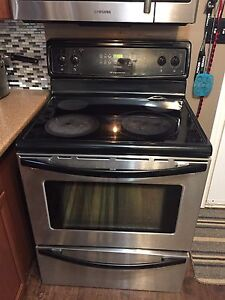 Black & stainless steal stove !
