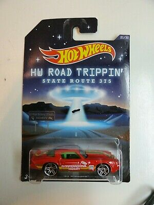 2014 Hot Wheels Road Trippin' #21 '81 Camaro (Red Extraterrestrial Highway 375)