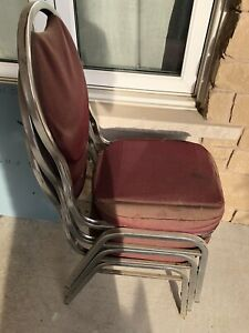 Free chairs for pick up
