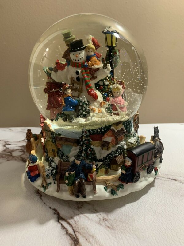 Kirkland Signature Musical Christmas Water Globe With Revolving Base