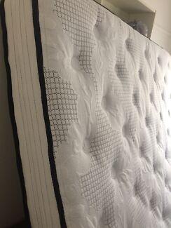 Extra firm mattress (9/10 firmness)