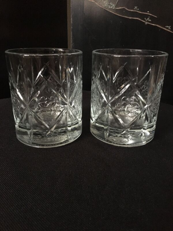 Dewars Scotch Whisky Embossed Celtic Knot Design Rocks Set of 2 Glasses