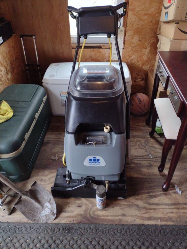 Windsor Clipper Professional Commercial Grade Carpet Extractor. Model CLP-12