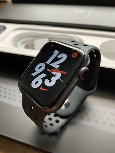 Apple Watch Series 5 Nike 44mm Space Grey Cellular with AppleCare Pagewood Botany Bay Area Preview