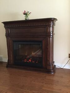 Electric fireplace in excellent condition