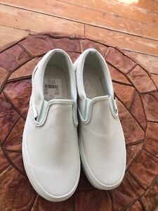 Girls brand new Vans shoes
