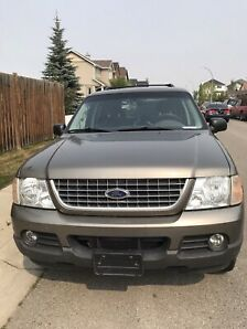 2003 Ford Explorer XLT 7 seater low km
