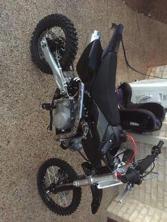 2x brand new 125 cc pitbikes