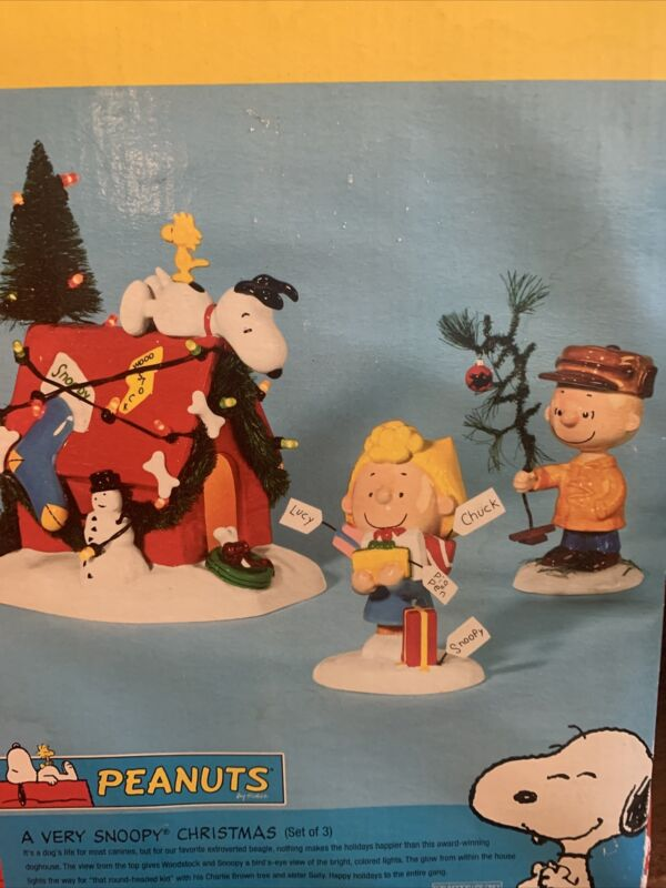 DEPT 56 A VERY SNOOPY CHRISTMAS 2003 DOGHOUSE CHARLIE BROWN & SALLY FIGURES SET