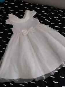 Girl dress size 5 Helensvale Gold Coast North Preview