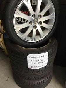 Holden Commodore Factory Alloys & New 235/45R17 tyres (*Set of 4) Ashmore Gold Coast City Preview
