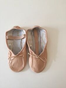 Ballet Shoe - Leather - Bloch  Size 13.5 C - BRAND NEW - NEVER WORN North Willoughby Willoughby Area Preview