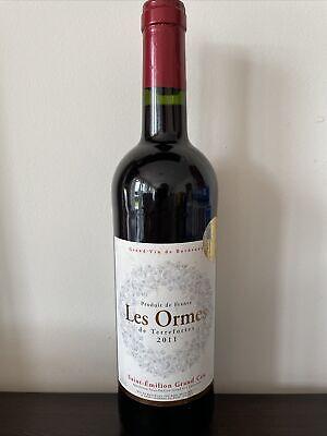 Alte Flasche französischer Rotwein 2011 Saint-Emilion Grand Cru Vin de Bordeaux