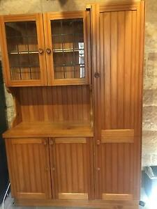 Retro kitchen cabinet gumtree australia free local for Kitchen cabinets gumtree