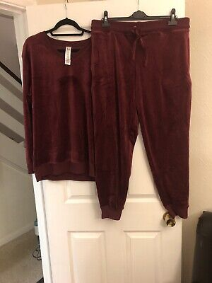 Jezebel Velvet Touch Ladies Lounge Suit Size XL Burgundy