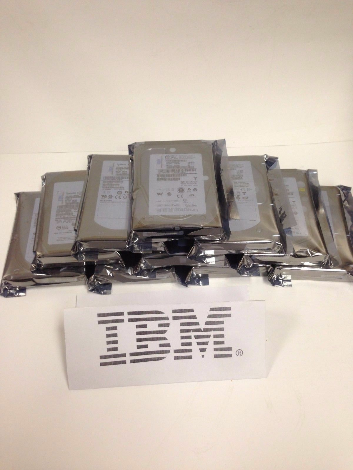 IBM 32P0730 IBM Genuine 73.4 GB 10K U 320 HOT SWAP HDD with Tray 32p0727