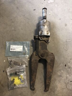 Chicago Pneumatic Cp-0351 Compression Riveter-rivet Squeezer