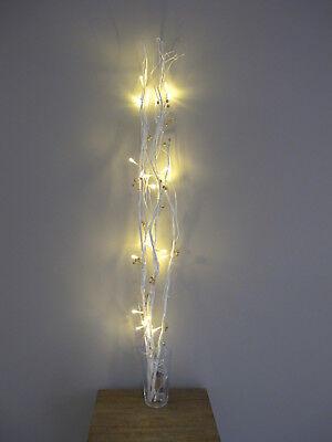 Weidenzweige beleuchtet  / mit goldenen Kugeln / batteriebetrieben / Lichtzweige